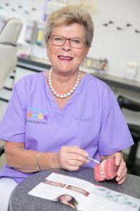 Zahnärztin Dr. Elisabeth Hinz